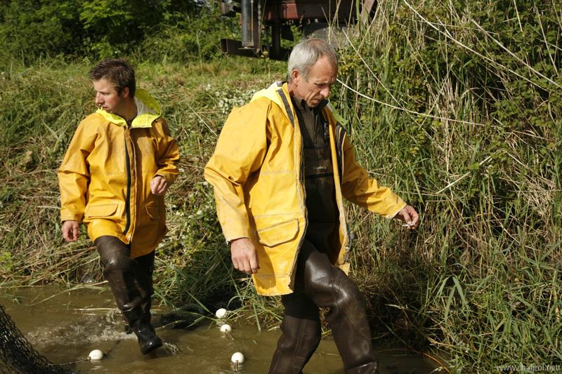 Pêcheurs en cirés jaunes